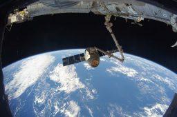 لوله کشی ایستگاه فضایی1